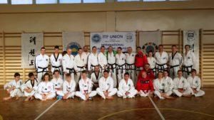 Grupowe zdjęcie uczestników